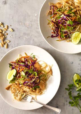Asian Peanut Noodles with Chicken - Lightened Up - Food Drink Buzz