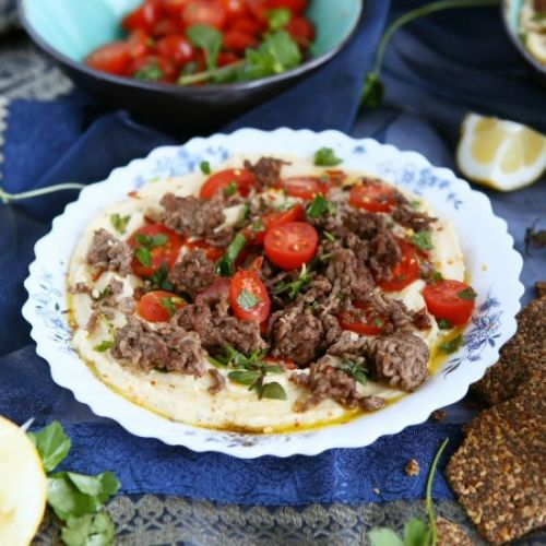 Hummus Bowls with Spiced Beef
