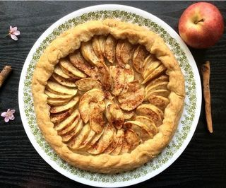 EASY APPLE PIE TART