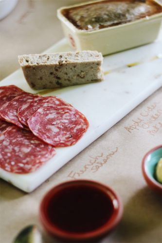 How to Make a Charcuterie Table