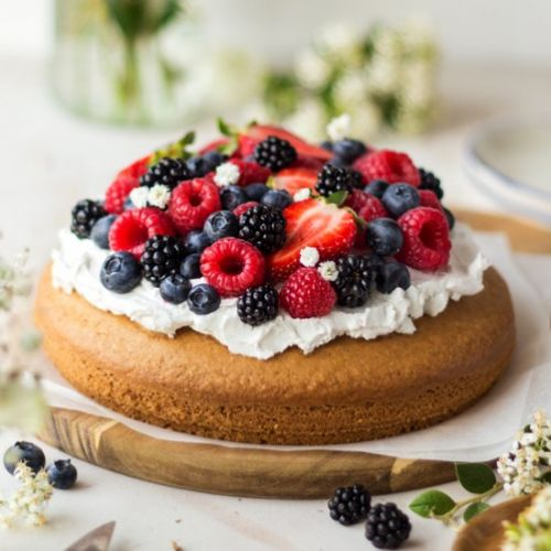 Vegan summer sponge