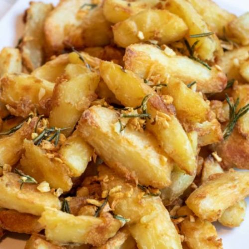 Crispy Garlic Rosemary Potato Wedge