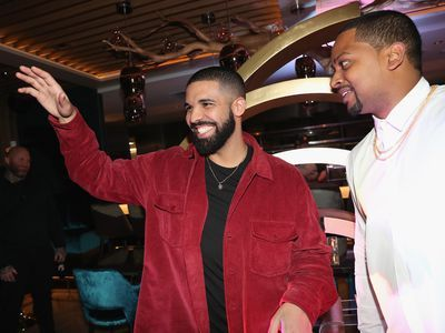 What Critics and Diners Are Saying About Drake's Toronto Restaurant
