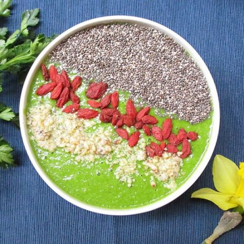 The BEST Green Smoothie Bowl Recipe