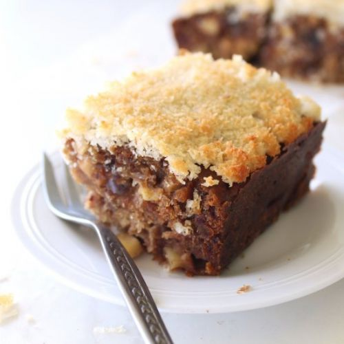 Sugar Free Apple Date Cake
