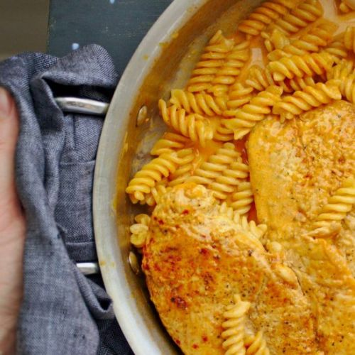Chicken Fusilli with Creamy Paprika