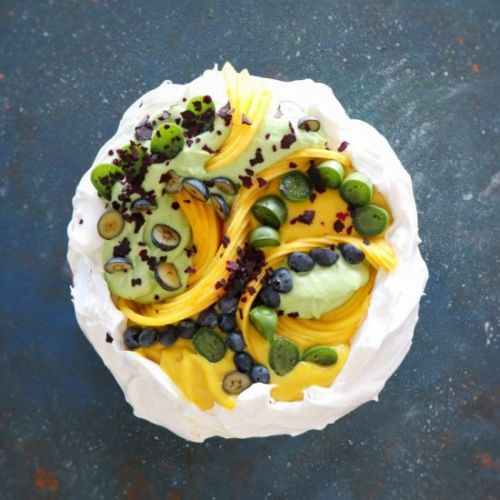 Avocado cream & Mango Curd Pavlova