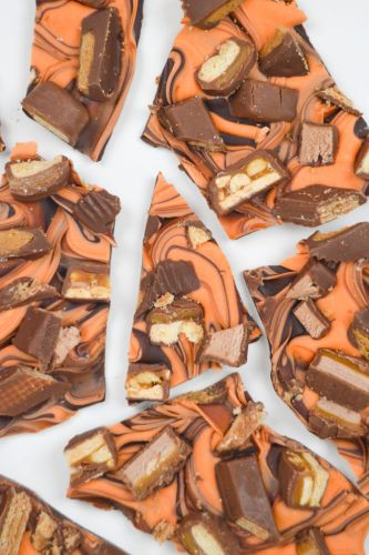 Halloween Candy Bark Recipe