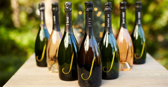 How to Pair 7 Popular Styles of Bubbly With Food