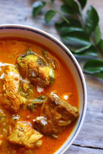 Thenga paalu meenu curry / Fish curry in coconut milk