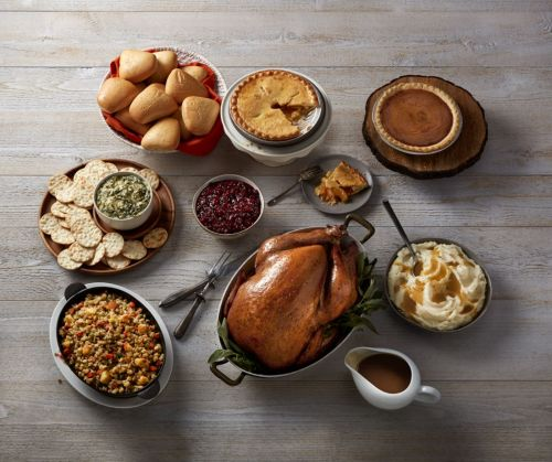Boston Market Aims To Make This Thanksgiving The Easiest And Most Stress-Free Yet With A Variety Of Holiday Offers
