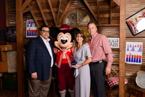 Pizza Inn Recognizes Top Franchisees at Brand Convention