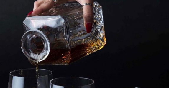 Why Your Whiskey Belongs in A Decanter