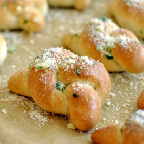 NYC Style Garlic Knots