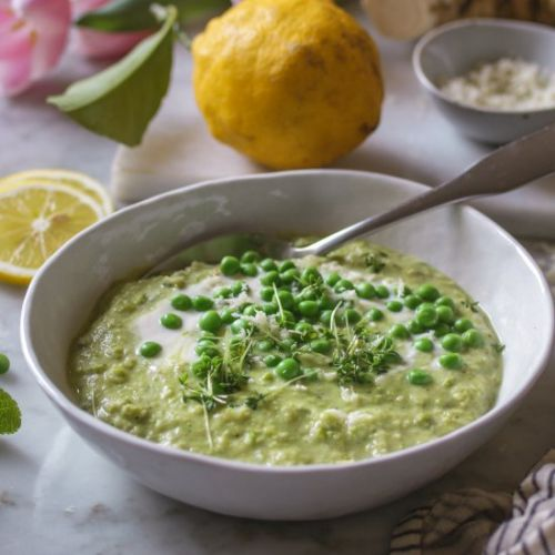 Coconut-Pea-Soup with Horseradish