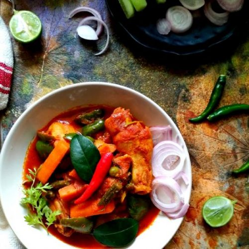 Indian chicken curry with mixed veg