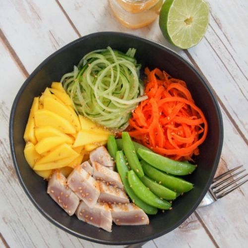Seared tuna and veggie bowl