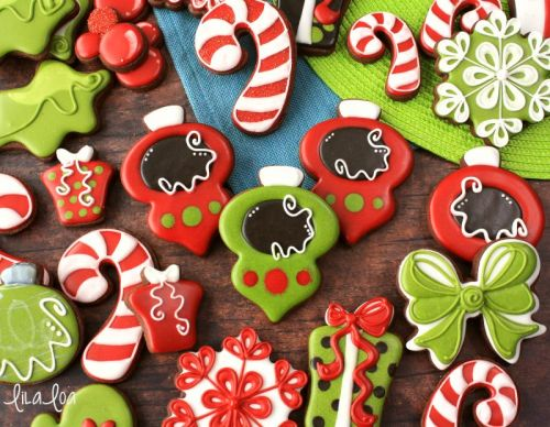 How to Make Ornament Decorated Sugar Cookies