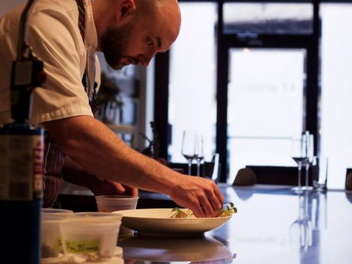 Ex-42 Grams Chef's Stone Flower Officially Closes in Chicago
