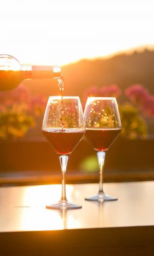 Why You Should be Drinking Lambrusco This Summer