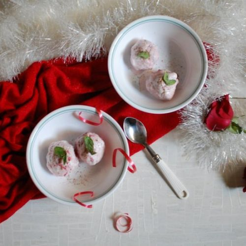 Strawberry Ice Cream with Cardamom
