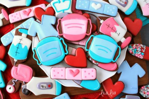 How To Make Decorated Surgical Mask Sugar Cookies