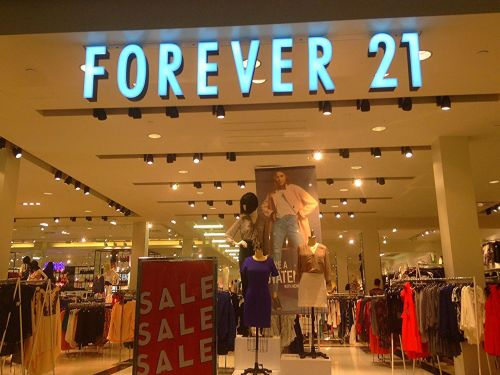 Teen Favorite Forever 21 Under Fire for Including Atkins Diet Bars With Orders