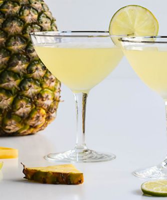 Savor the End of Summer With 9 Tropical, Trending Cocktails