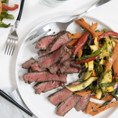 Garlic Herb Marinated Skirt Steak and Vegetables