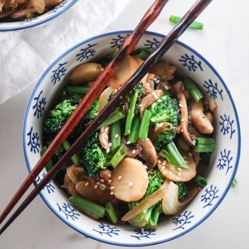 Garlic Chicken & Broccoli Stir Fry