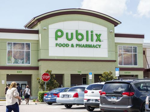 Family of a Publix Employee Allegedly Not Allowed to Wear Mask Is Suing the Chain for His Death