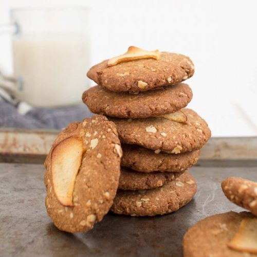 Healthy and Crispy Oatmeal Cookies