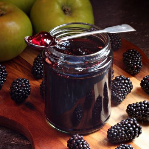 Easy Blackberry & Apple Jelly