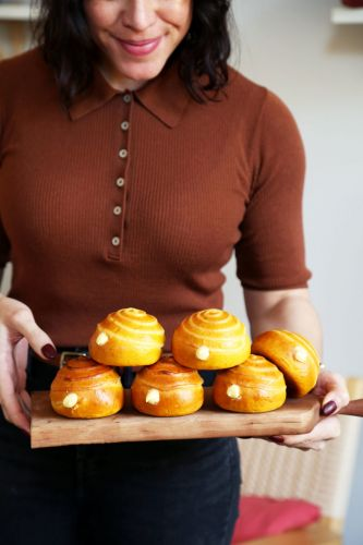Sweet Little Pastry Cream Pumpkin Buns