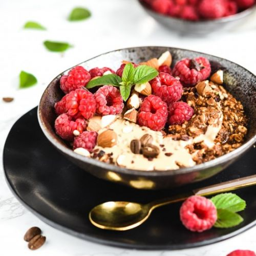 Coffee oatmeal with raspberries