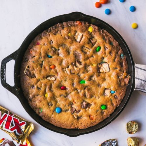 Candy Bar Skillet Cookie