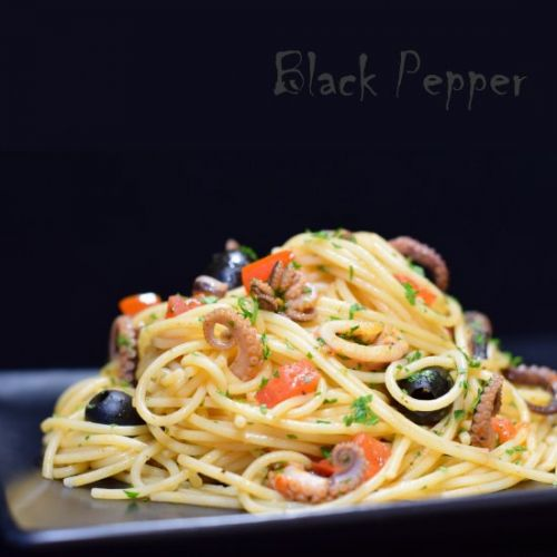 Spaghetti with Octopus and Tomatoes