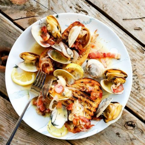 Steamer Clams with Bacon & Fennel