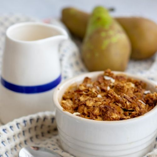 OATY PEAR & GINGER CRUMBLE