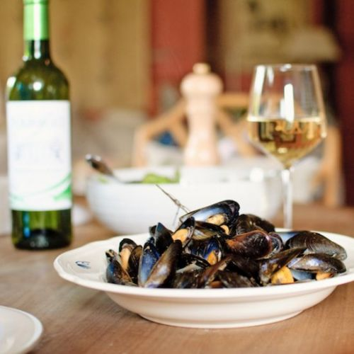 Cider and bacon mussels