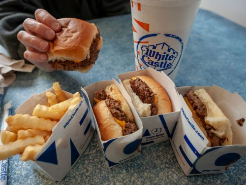 White Castle Is Expanding Flippy, the Slider-Slinging Robot, to More Locations