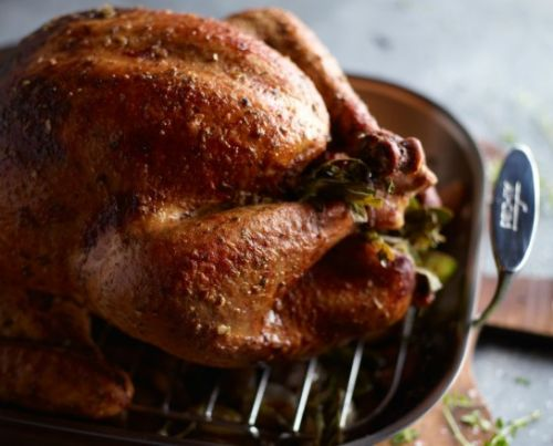 Our Foolproof Tips for Stuffing a Turkey
