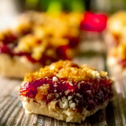 Jammy Raspberry Crumble Bars