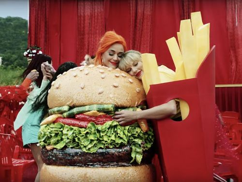 The Best Food Moments of Taylor Swift's 'You Need to Calm Down' Video