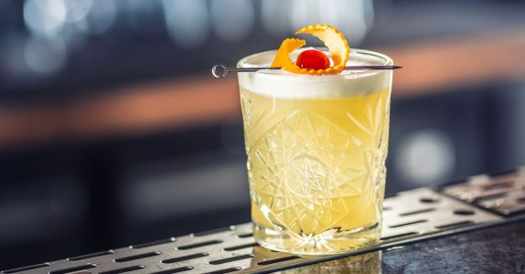 Best Practices: For a Perfect Whiskey Sour, Use High-Proof Whiskey and Shake It Twice