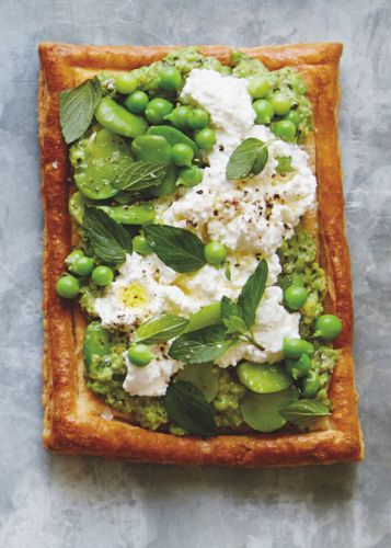 This Easy Toast Says Spring Is Here to Stay