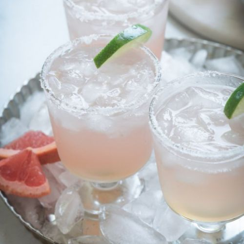 Grapefruit Paloma Cocktail