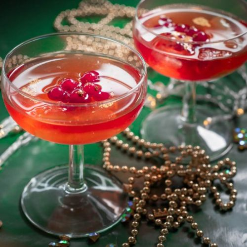 Cosmopolitan with red currants
