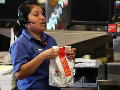 Labor Board Overturns Ruling That Protected Fast-Food Workers