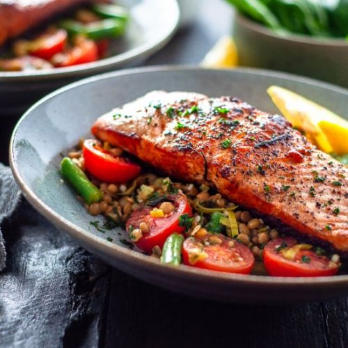 Salmon With Lentils and Leeks